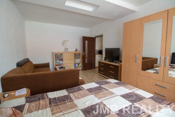 02 obývačka2