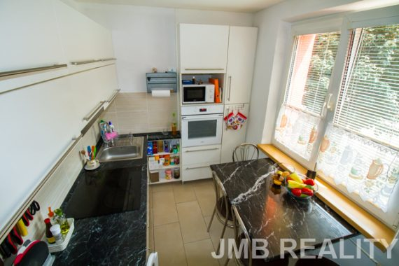 05 kuchyňa1