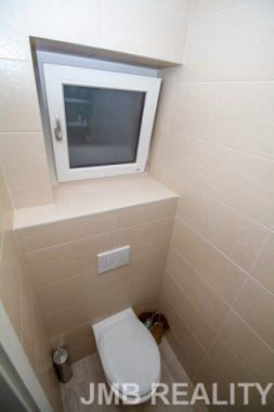 09 hostovske wc